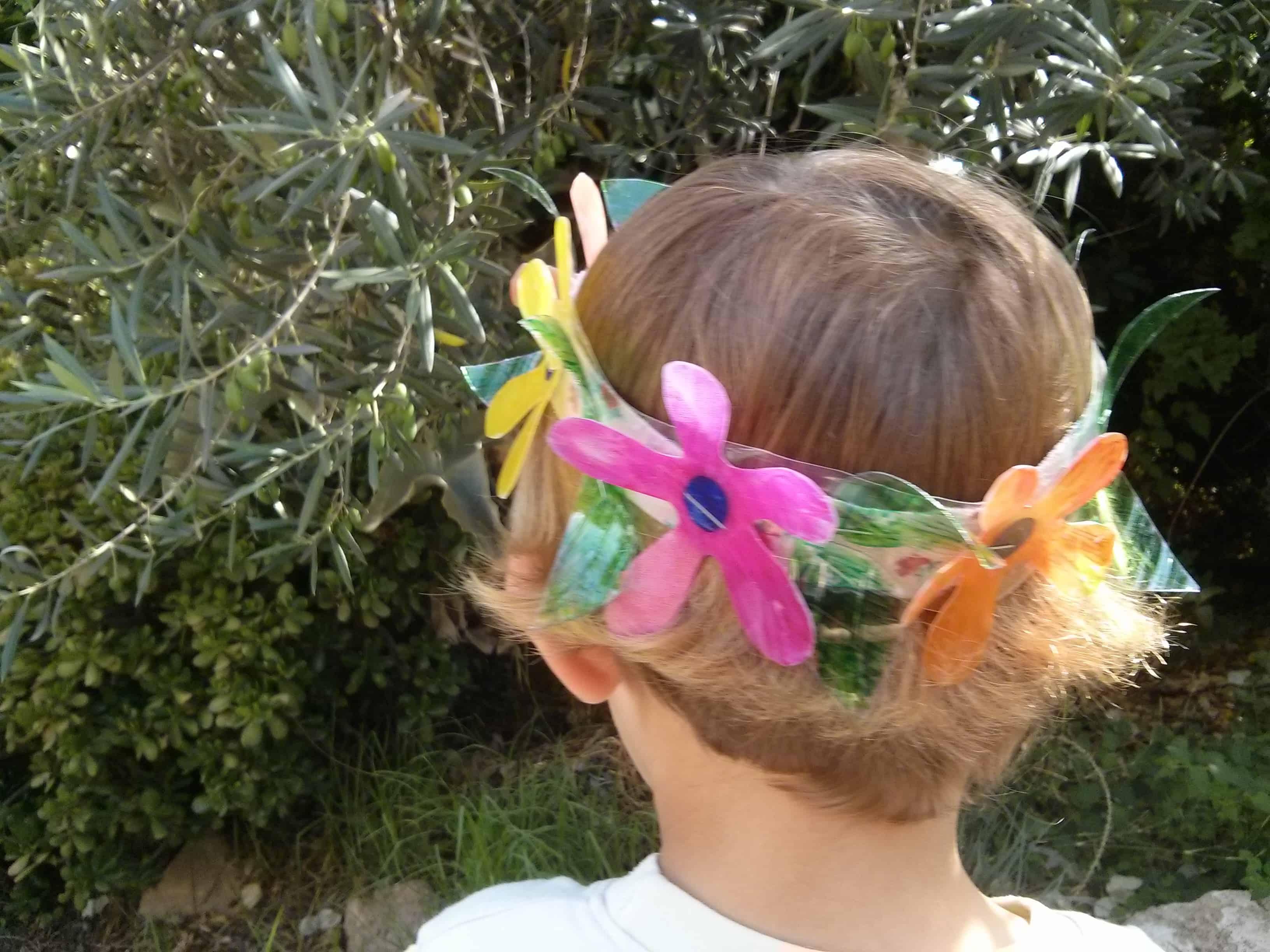 פתרונות יצירה פשוטים – זר פרחים ססגוני לחג שבועות